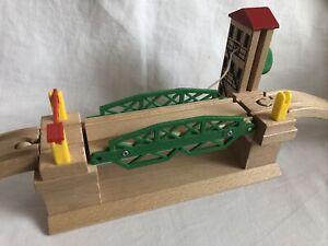 Brio Wooden Train Sets Lifting Bridge (compatible With Thomas ELC)