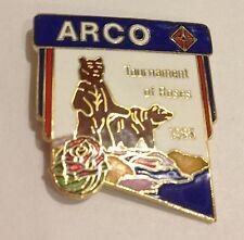 "1993 ARCO BROWN BEARS ""TOURNAMENT OF ROSES PARADE"" SOUVENIR LAPEL HAT PIN"
