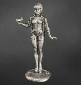 Girl with a camera. FIGURE. Tin 54mm 1/32 Unpaited