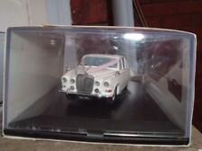 OXFORD DIECAST 1/43 SCALE DAIMLER WEDDING CAR WITH ITS RIBBONS