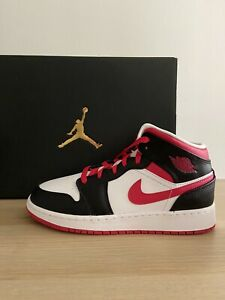 Air Jordan 1 Mid GS Very Berry Red Black White 554725-016 Size 5Y Women's 6.5