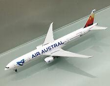 Phoenix 1/400 Air Austral France Boeing 777-300ER F-OSYD die cast metal model