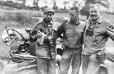 WW2 - Photo - Robert Capa et Ernest Hemingway, reporters de guerre en 1944