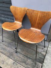 Arne Jacobsen 2 Chairs Fritz Hansen chaise 3107 Old Édition Teck