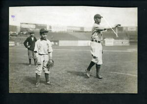 Tommy Leach & his son Paul Thompson 1910 Type 1 Press Photo Pittsburgh Pirates