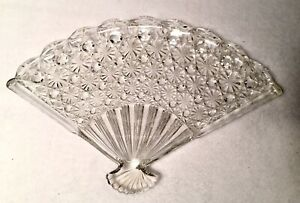 Gorgeous VTG Clear Ornate Textured Glass Dish Candy Appetizer Dresser Tray VGC