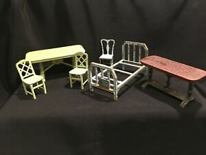 Lot of 6 Vintage TOOTSIE TOY Metal Dollhouse Furniture - Tables,Chairs, Bed