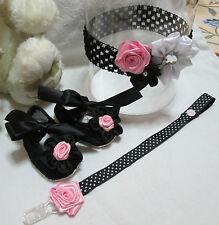 Scarpe neonata complete di fascia per capelli e portaciuccio. Misura 0/3 mesi -