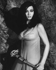 VALERIE LEON ENGLISH ACTRESS - 8X10 PUBLICITY PHOTO (CC959)