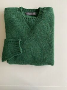 Gents Shetland Wool Saddle Shoulder Green Crew Neck Sweaters Made in Scotland