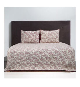 NWT Bee & Willow™ Home Margaret Toile Full/Queen Quilt in Red