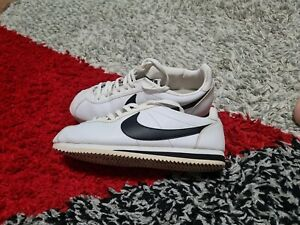 Nike cortez Size 9