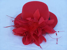 "LADIES 5"" FASCINATOR HAT w- HAIR CLIP RED SMALL COCKTAIL FEATHER SPRING CARNIVAL"