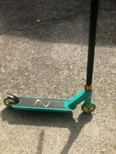 Fuzion Z 250 Teal Trick Scooter Used
