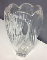 MARQUIS BY WATERFORD Clear Scalloped Edge Cut Lead Crystal Decorative Vase SR