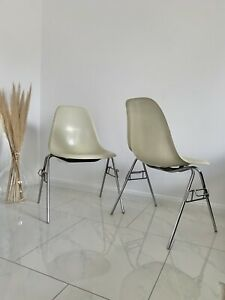 1 v 30 Orig. Vitra Hermann Miller Charles Eames Side Chair Stuhl Fiberglas