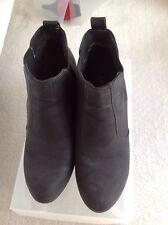 Isabella Brown Ankle Boots Black Size 6