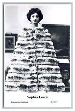 Sophia Loren (C) Swiftsure Postcard year 2000 modern print 20/102 glamour photo