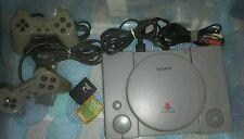 playstation 1 originale non modificata + 2 joystick 6 giochi 2 memory PAL ITA