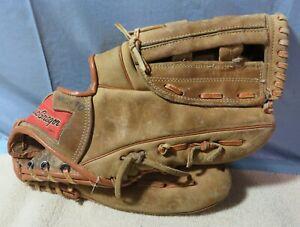 VINTAGE MacGregor Vintage Baseball Glove Model M11T Rod Carew Fielder's Glove