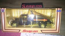 Snap-on Die-cast Collectables 1934 FORD TOW TRUCK 1:24