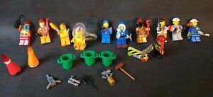 LEGO 11 MINIFIGURES TOWN CITY PEOPLE RESCUE HUGE ACCESSORIES LOT TRASH WATER COP