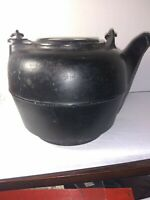 Antique Cast Iron Water Kettle, #7 Prominent GATE MARK with Letter T Terstegge?