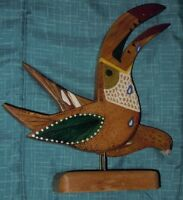 FOLK ART BIRD STATUE HAND CARVED PAINTED TROPICAL WOOD (COSTA RICA)