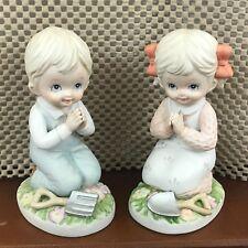 Vintage Homco Ceramic 2 pc Set Boy & Girl Praying 1452 Kneeling in Garden Spring