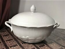 "KAISER CHINA ""ROMANTICA- ALL WHITE""  1 OVAL COVERED VEGETABLE BOWL--MINT"
