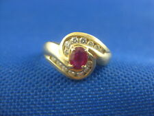 VINTAGE 14K YELLOW GOLD RUBY RING WITH 14 SMALL DIAMONDS SIZE 6 1/4