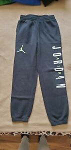 Boy's Air Jordan Sweatpants Size Large