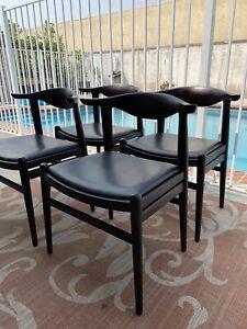 Mid Century modern  Hans Wegner Style Dining Chair Set