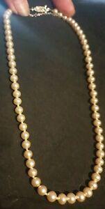 Perlen Kette Halskette 43 cm ca 6 mm breit Nachlass alt auf Schnur Metallverschl