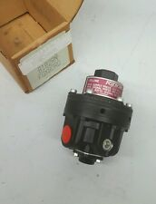 FOXBORO B102RN TYPE 20 VOLUME BOOSTER 250PSI RATIO-SIGNAL TO OUTPUT BOOSTER