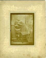 PHOTO UN ENFANT A LA LECTURE & COSTUME MARIN PREND LA POSE 1900 VINTAGE FASHION