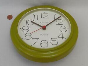 70/80s GREEN WALL CLOCK, Vintage WESTCLOX ROUND PLASTIC Retro KITCHEN AA BATTERY