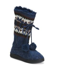 Muk Luks Gracie Boot With Pom Pulling Size 9 Navy