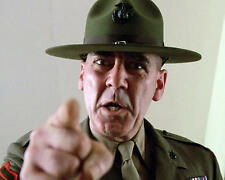 R. Lee Ermey as Gny. Sgt. Hartman points finger Full Metal Jacket 24X30 Poster