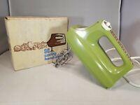 Waring Multi Speed Handmixer Avocado Model HM 122 With Original Box Vintage