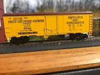 HO Scale Custom  Fruit Growers Vent. & Refrg. Express Boxcar FGEX 4017  C8 RTR.