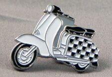 SCOOTER LAPEL PIN BADGE SCOOTERIST VESPA LAMBRETTA UNION JACK FLAG    (NB-71)