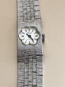 Vintage Ladies Swiss  Pilot Incabloc Watch Bracelet 17 Jewels  Flower Face