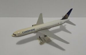 Continental Airlines Boeing 767-300 1:200 Scale Model With Stand
