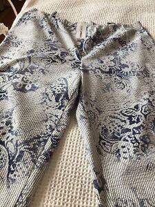 Doris Streich  Cropped Trousers.  Size 24.