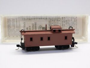 N Scale Kadee Micro Trains 50000 Unlettered 34' Wood Sheathed Caboose Train Car