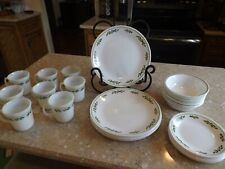 Corelle Christmas Holly Black Vein Dish Dinnerware Set Service for 8 - 32 Pc.