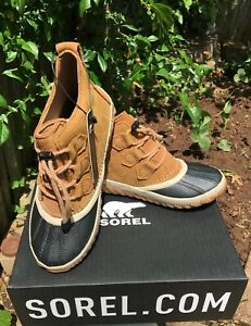 Sorel Out N About Youth plus Elk black Leather Waterproof boots size youth 4