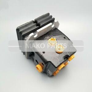 Foot Pedal Control Valve YN30V00105F2 Fits Kobelco SK200-8 SK250-8 Exvacator