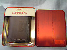 LEVI'S MEN'S STAMPED 2 HORSE LOGO COATED LEATHER TRIFOLD WALLET BROWN